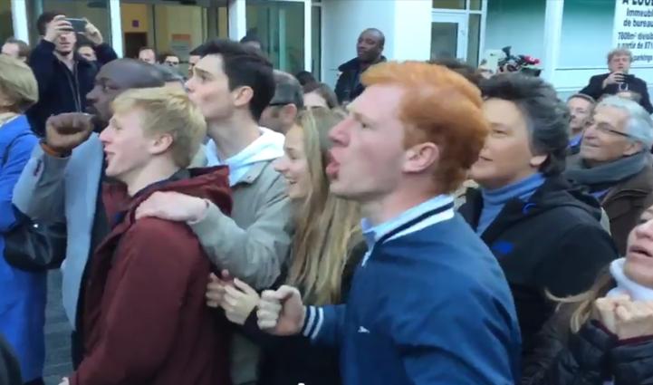 Un militant de Fillon énnervé contre la presse