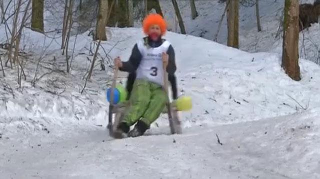 Allemagne : Une course surréaliste en luge fait le succès d'un village