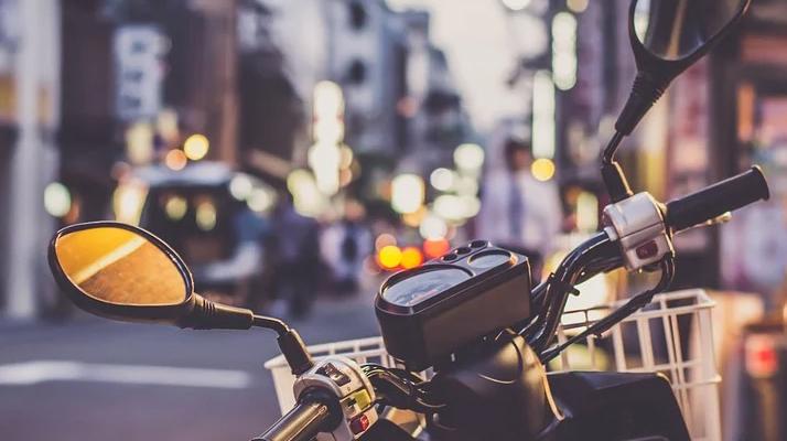 Boulogne-Billancourt : Un livreur à scooter fauche une fillette de 3 ans