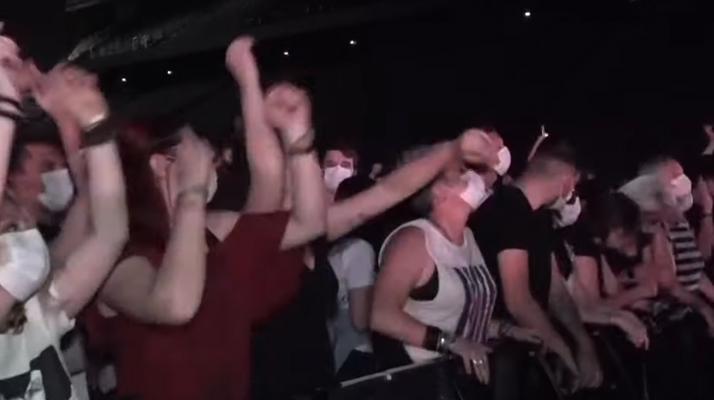 5000 spectateurs ont participé au premier concert test à l'AccorHotels Arena de Paris