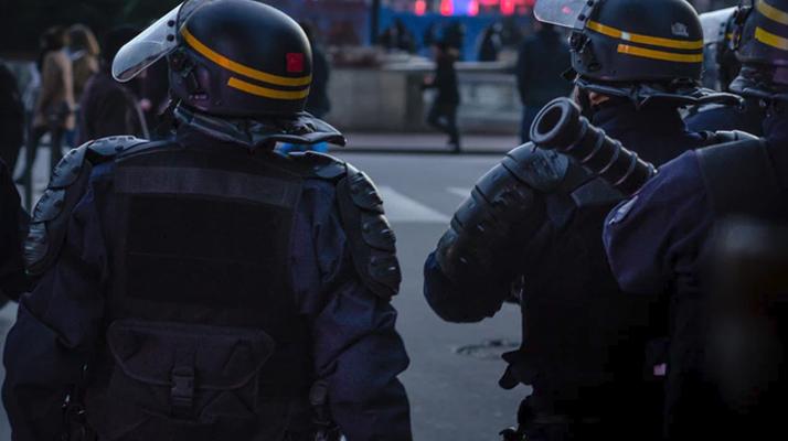 Essonne. Une trentaine d'individus armés de barres de fer font face à la police à Sainte-Geneviève-des-Bois