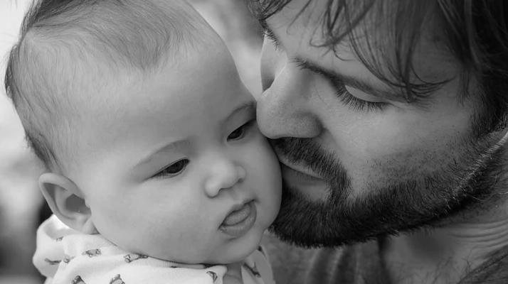France. Le congé paternité passe désormais de 14 à 28 jours à partir du 1er juillet