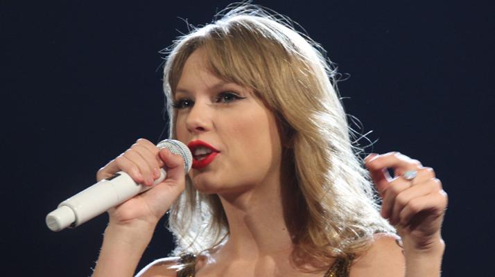 Un homme arrêté après être entré dans l'appartement de Taylor Swift à New York
