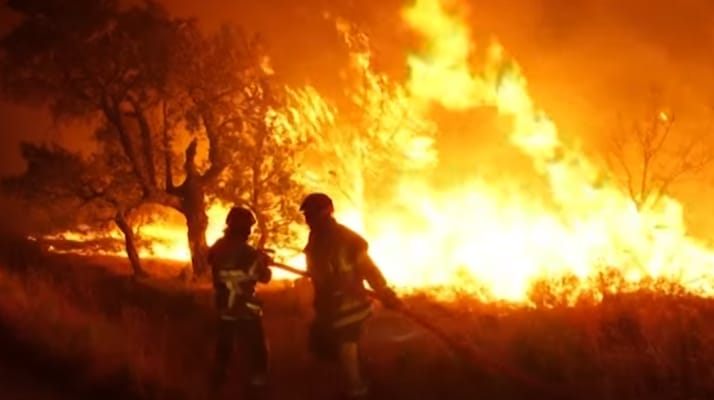 Incendie dans le Var. Un nouveau bilan fait état de deux morts et de 26 personnes légèrement blessées dont 7 pompiers