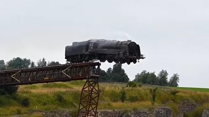 Mission Impossible 7 : un train jeté depuis une falaise pour les besoins d'une scène