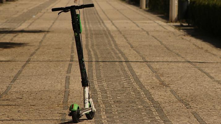 Yvelines : un homme entre la vie et la mort après un accident de trottinette électrique à Voisins-le-Bretonneux