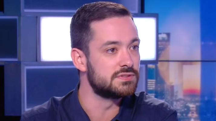 Fête de l'Humanité. Un porte-parole de la France Insoumise refuse de condamner les propos lancés par la foule en marge d'un concert de rap : « Tout le monde déteste la police ! »