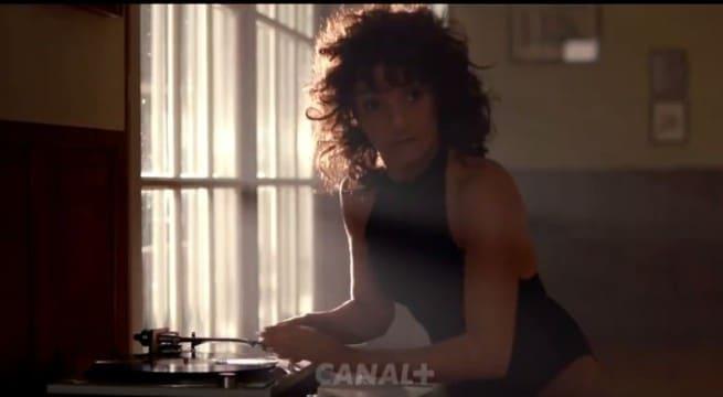 Florence Foresti dans une version hilarante de FLashdance / Capture Canal +