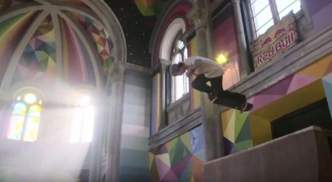 Il fait du skate dans une église / Capture Youtube