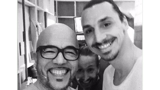 Zlatan Ibrahimović et Pascal Obispo dans les coulisses des Enfoirés / Capture Twitter @ObispoPascal