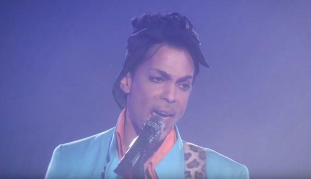 Prince lors du SuperBowl / Capture Youtube