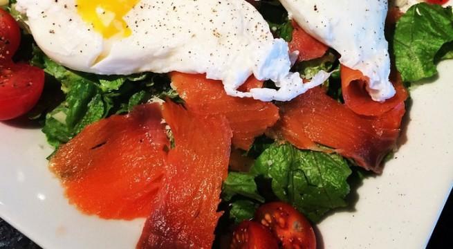 Illustration d'une salade au saumon / Pixabay