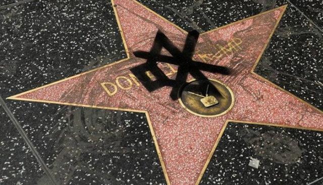 L'étoile de Donald Trump vandalisée à plusieurs reprises / Capture Twitter