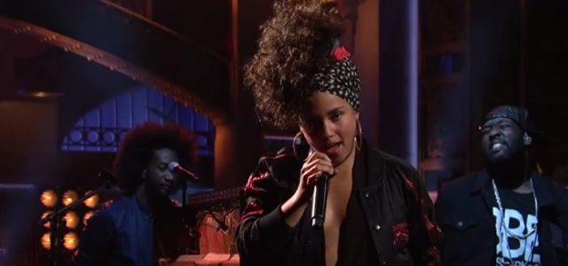 Alicia Keys sur le plateau du SNL / Capture youtube