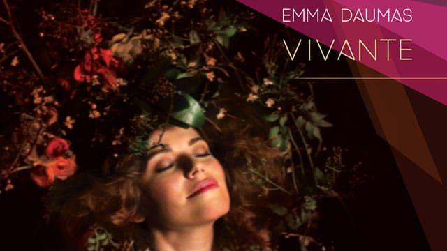 """Emma Daumas sur la pochette de son nouvel album """"Vivante"""" / Via CP"""