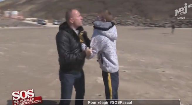 Pascal face à Armand dans SOS Ma famille à besoins d'aide / Capture NRJ12