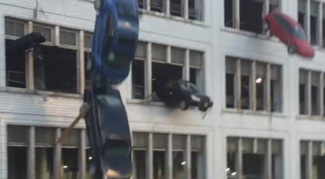 Des voitures tombent d'un immeuble de Cleveland pour Fast And Furious 8 / Capture Youtube