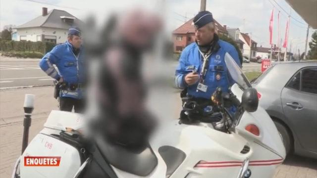 Des policiers Belge font un contrôle surprenant / Capture Youtube