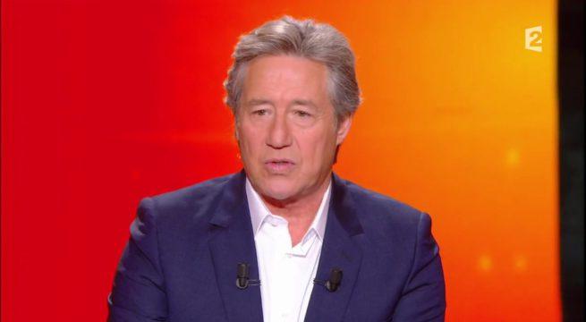 """Patrick Sabatier dans l'émission """"Mot de Passe"""" / Capture France 2"""