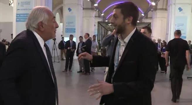 Dominique Strauss-Kahn agacé par un journaliste / Capture Quotidien Youtube