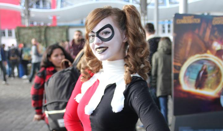 Une Cosplayeuse au Comic Con de Paris 2016 ce samedi / Photo EC pour Actu-mag.fr : Comic Con 2016