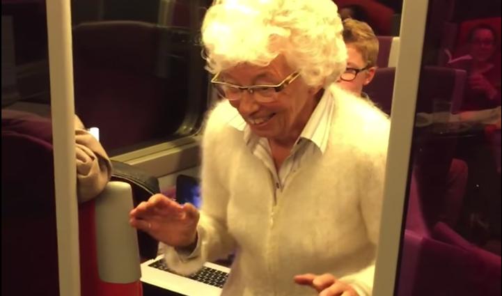Une mamie fait le buzz dans un wagon de TGV / Capture Youtube
