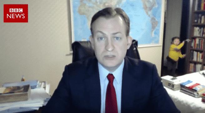 Les enfants d'un expert de la BBC massacrent son interview en direct