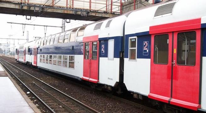 v 233 lizy ils vandalisent le rer c et sont interpell 233 s dans le tramway