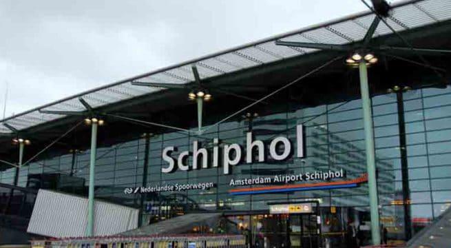 Amsterdam : la police tire sur un homme armé d'un couteau à l'aéroport