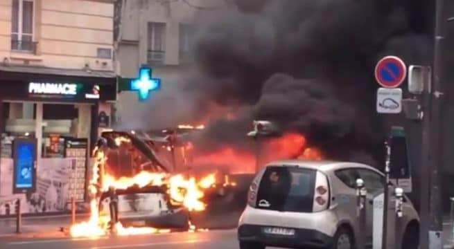 Paris : un bus s'enflamme dans le 5e arrondissement ce mardi matin